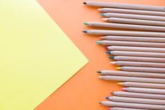Colori il vecchio retro stile d'annata delle matite struttura della carta da disegno Fotografia Stock Libera da Diritti