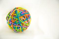 Colori l'idea luminosa di concetto di forma della palla delle bande elastiche immagini stock libere da diritti