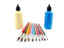 Colori l'insieme di arte di colore delle spazzole e delle tinte di pittura Fotografia Stock Libera da Diritti