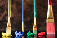 Colori la teoria con le spazzole e lubrifichi la pittura basata Fotografia Stock Libera da Diritti