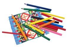 Colori le matite del disegno su un bianco annegano il fondo Fotografia Stock Libera da Diritti