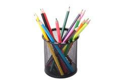 Colori le matite in un supporto nero Fotografie Stock Libere da Diritti