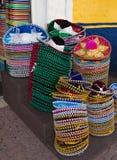 Colori luminosi del sombrero dei cappelli messicani Fotografie Stock