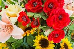 Colori variopinti di estate del primo piano di progettazione di estate del mazzo dei fiori Fotografie Stock Libere da Diritti