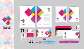 Colorido con la plantilla de la identidad corporativa del triángulo para su negocio A Fotos de archivo libres de regalías