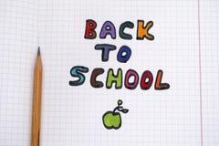 Colorido de volta à frase e ao lápis da escola Fotografia de Stock