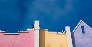 Colorido, del funcionamiento casas de playa de Santa Monica abajo Foto de archivo libre de regalías