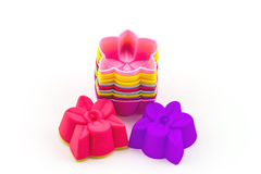 Colorido del silicón moldea para cocer bajo la forma de corazones, obj Foto de archivo libre de regalías