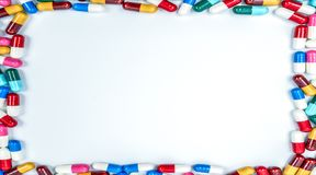 Colorido do quadro do retângulo dos comprimidos da cápsula dos antibióticos imagem de stock royalty free