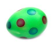 Colorido encantador del huevo de Pascua pintado con los puntos Foto de archivo