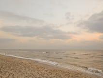 colors soluppgång för det mörkerhorisontalnaturlig fotohavet Royaltyfri Foto