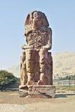 Coloss quebrados. Estatua del pharaoh Imagen de archivo