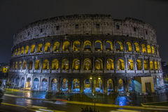 Colosseo i natten Arkivfoto