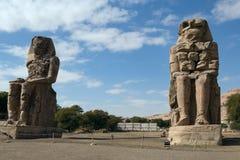 Colosses de Memnon et d'Amenhotep III Photo stock