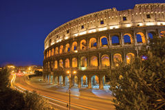 colosseum晚上罗马 免版税图库摄影
