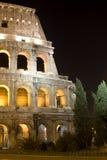 colosseum晚上罗马 免版税库存图片
