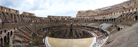 Colosseum的内部的全景在罗马 免版税库存照片