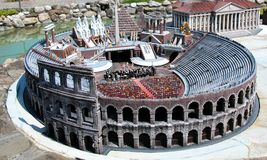 "Colosseum της Ρώμης στο θεματικό πάρκο ""Ιταλία στη μικροσκοπική ""Ιταλία στο miniatura Viserba, Rimini, Ιταλία στοκ φωτογραφίες με δικαίωμα ελεύθερης χρήσης"