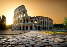 Colosseum και κίτρινος ουρανός Στοκ Φωτογραφίες