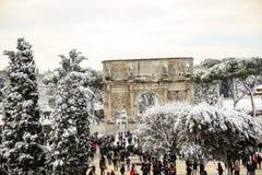 Colosseum και imperiali Fori, χιόνι στη Ρώμη Στοκ Φωτογραφία