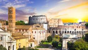 Colosseum πέρα από το ηλιοβασίλεμα στοκ εικόνα
