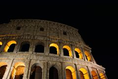 Colosseum που φωτίζεται στη Ρώμη Στοκ εικόνες με δικαίωμα ελεύθερης χρήσης