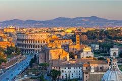 Colosseum au coucher du soleil Photo stock