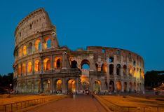 Colosseum au crépuscule Images stock