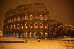 Colosseum bajo la nieve Imágenes de archivo libres de regalías