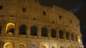 Colosseum bij nacht, Rome, Italië, timelapse, 4k stock video