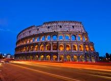 Colosseum bij schemer royalty-vrije stock afbeelding