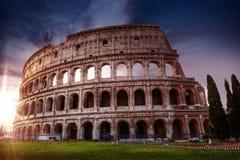 Colosseum bij Zonsopgang, Rome, Italië stock afbeelding