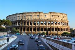 Colosseum, borne limite de renommée mondiale à Rome Image libre de droits