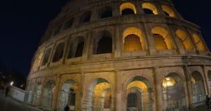 Colosseum de Roma en la noche almacen de video