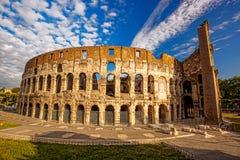 Colosseum durante el tiempo de primavera, Roma, Italia Foto de archivo