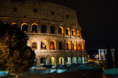 Colosseum durante a noite, Roma, Itália imagem de stock royalty free