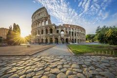 Colosseum em Roma com sol da manhã Foto de Stock