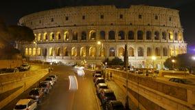 Colosseum en la noche, Roma, Italia, timelapse, 4k metrajes