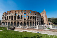Colosseum famoso em brilhante Imagem de Stock Royalty Free
