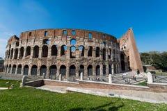 Colosseum famoso su luminoso Immagine Stock Libera da Diritti