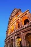 Colosseum a fotografia di verticale di notte Fotografia Stock Libera da Diritti