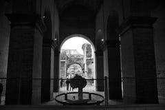 Colosseum interno è un grande anfiteatro nella città di Roma Fotografia Stock Libera da Diritti
