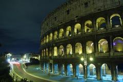 Colosseum la nuit Photos libres de droits