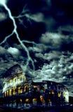 Colosseum mit Sturm Stockfotografie