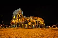 Colosseum na noite Fotos de Stock Royalty Free