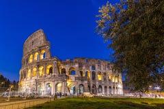 Colosseum na noite em Roma, Italy fotos de stock