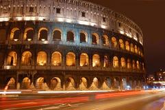 Colosseum-Nacht Lizenzfreie Stockfotos