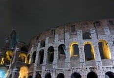 Colosseum-Nachtszene Stockfotos