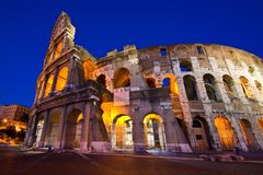 Colosseum nella penombra con la prospettiva ultra-selvaggia Fotografie Stock Libere da Diritti