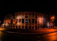 Colosseum no centro da cidade de Roma, Itália fotografia de stock